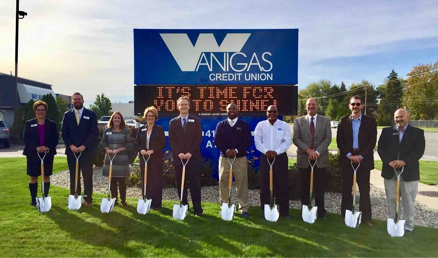 Ground breaking at Wanigas Credit Union in Bay City